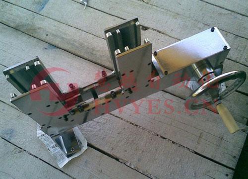 EI型矽钢片变压器手摇插片机