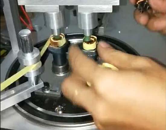 气动下压式自动包胶机